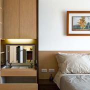 二层房屋卧室床头柜装饰
