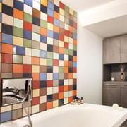 卫生间拼色瓷砖装饰