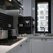 白色简约厨房装饰