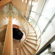 日式螺旋形楼梯装饰