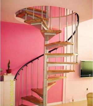 充满想象感的旋转楼梯装修效果图