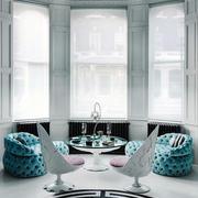 古堡式别墅客厅窗户装饰