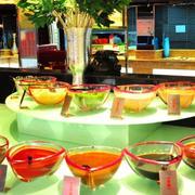 自助餐厅玻璃货架装饰