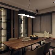 三室一厅餐厅原木桌椅