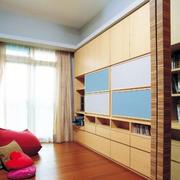 小户型简约客厅原木背景墙