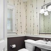 现代简约风格卫生间墙饰装修