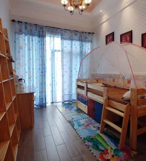 美式简约木制儿童房装饰