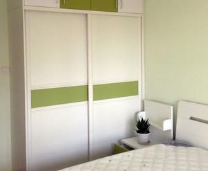 100平米舒适、简洁有充分的储物空间的现代两居装修