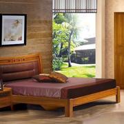 简约风格卧室原木家具