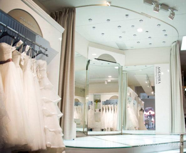 见证美丽的自己:浪漫简约的新娘婚纱店装修效果图
