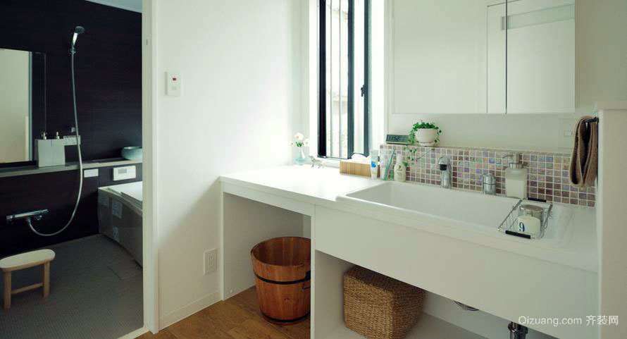 小型公寓卫浴装修效果图