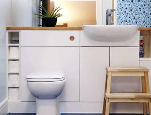 现代简约风格卫生间马桶装饰