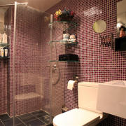 婚房卫生间瓷砖装饰