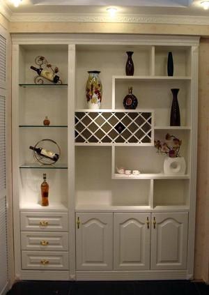 客厅整体式酒柜装饰