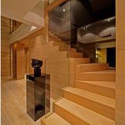 日式原木浅色楼梯装饰