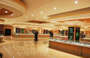 2015都市大型商场玻璃展示柜装修效果图