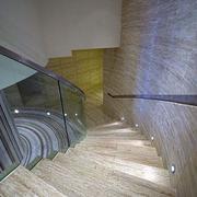 旋转楼梯原木背景墙设计