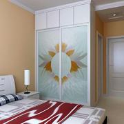 简约风格卧室内嵌式衣柜装饰