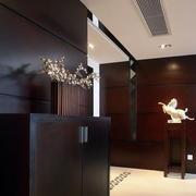后现代风格原木深色玄关鞋柜装饰