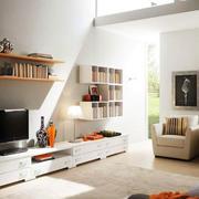 北欧风格客厅书柜装饰