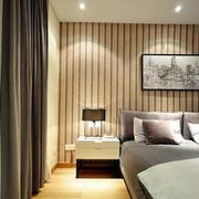 小户型简约卧室飘窗设计