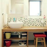 卫生间简约墙饰装饰
