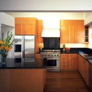 厨房L型原木吧台装饰