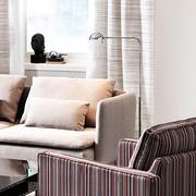 后现代风格浅色沙发装饰