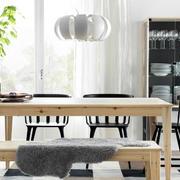 后现代风格餐厅原木桌椅效果图