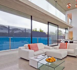 海景房大型窗户装饰