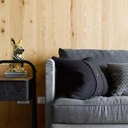 原木风格客厅背景墙