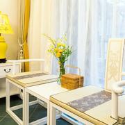 婚房客厅桌椅设计