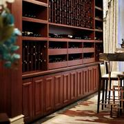 欧式深色原木别墅酒窖设计