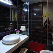后现代风格深色卫浴装饰