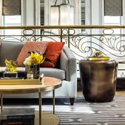 美式风格别墅客厅圆桌设计