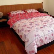 日式简约卧室地板装饰