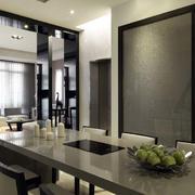 三室两厅厨房推拉门装饰