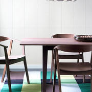 美式风格餐厅深色桌椅装饰
