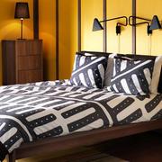 后现代风格卧室床头石膏板背景墙