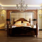 卧室暖色系壁纸装饰