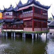 中式园林水上庭院装饰