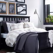 深色简约风格卧室床头柜装饰