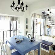 简约风格餐厅蓝白相间桌椅装饰