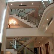 大型别墅楼梯玻璃扶手设计
