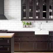 美式厨房深色橱柜装饰