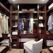 东南亚风格开放式衣帽间装饰
