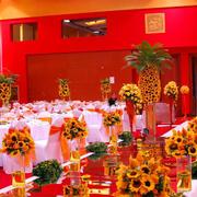 喜庆红色婚礼装饰图