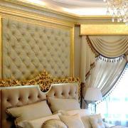 欧式奢华浅色背景墙设计