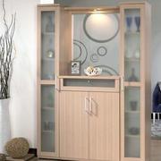 玄关原木柜子装饰