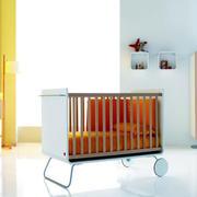 美式儿童房婴儿床设计